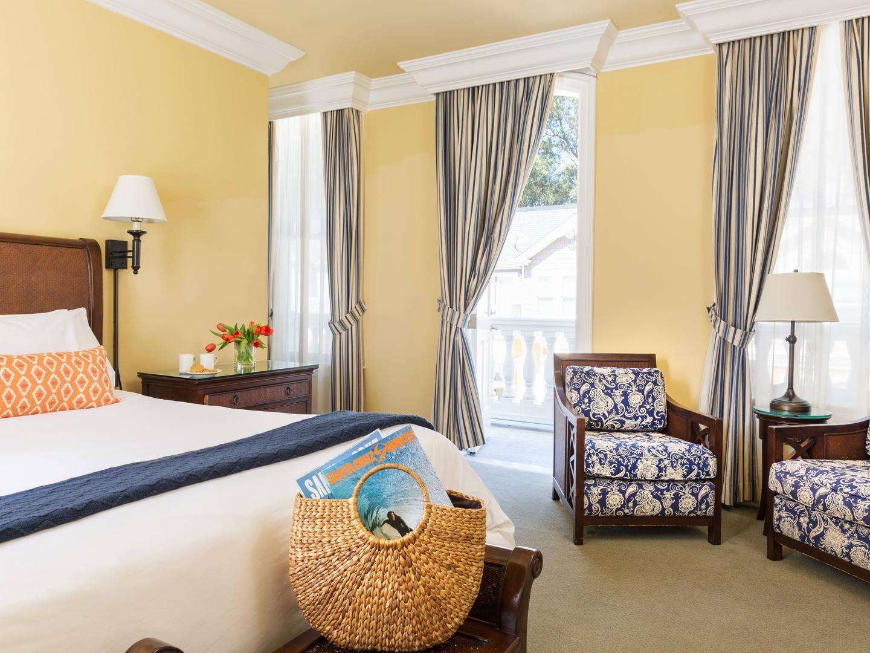 Santa Cruz Bed and Breakfast
