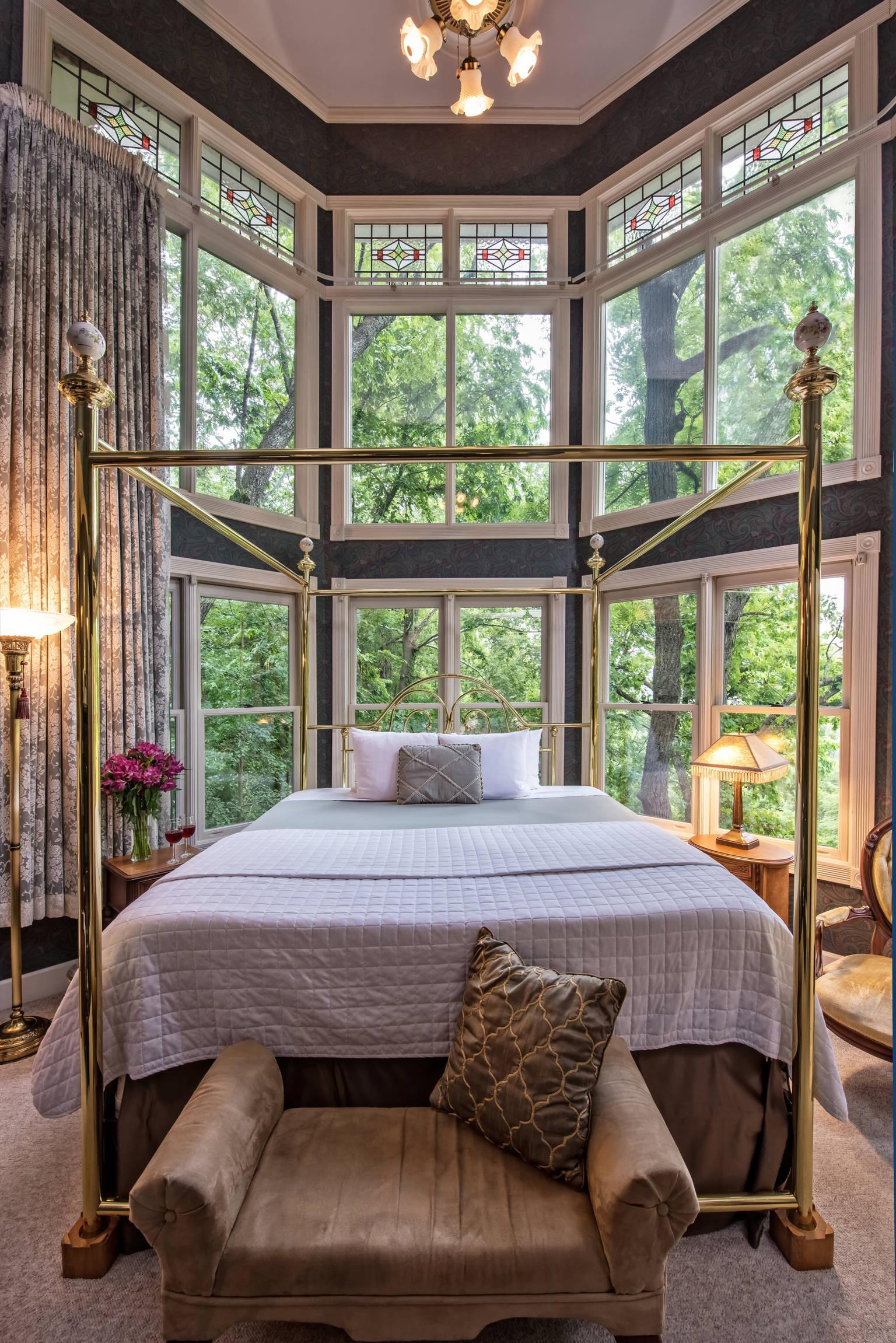 Eureka Springs Bed and Breakfast