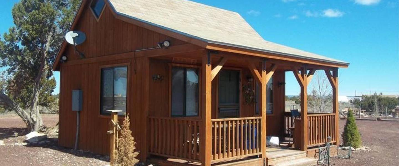 A wooden house at DumplinPatch Bed & Breakfast.