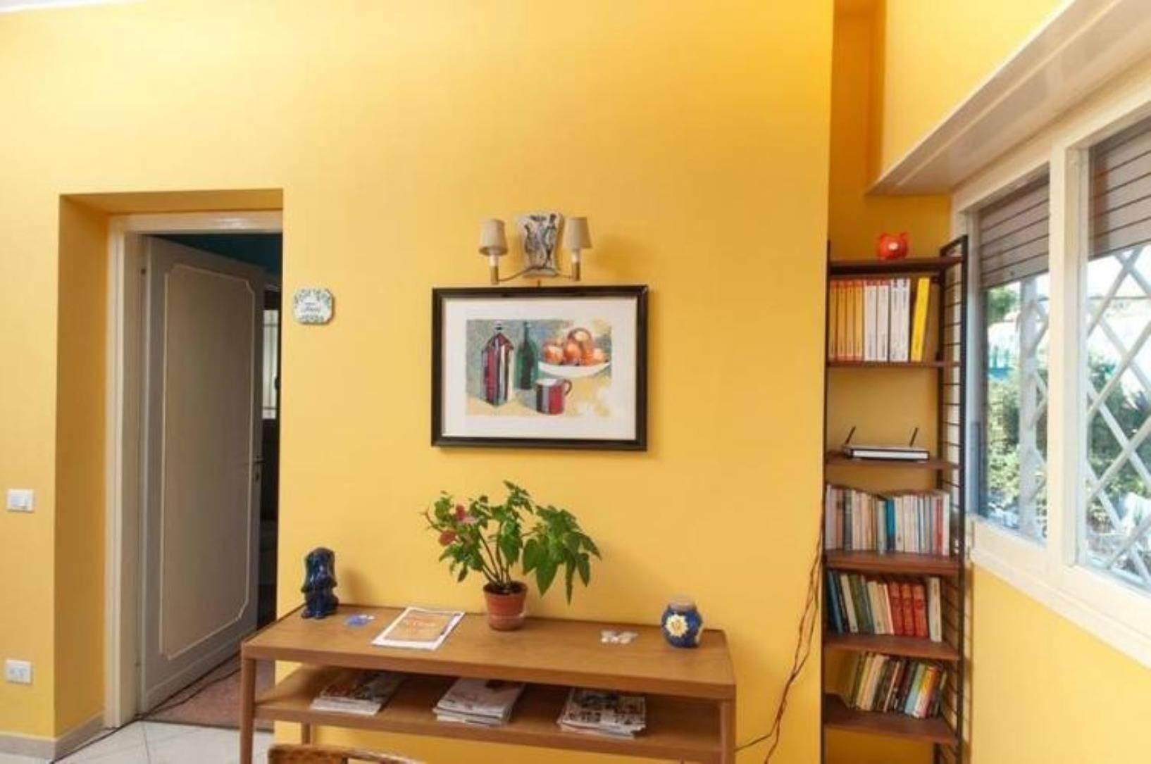 A living room at Passegiate Romane B&B.