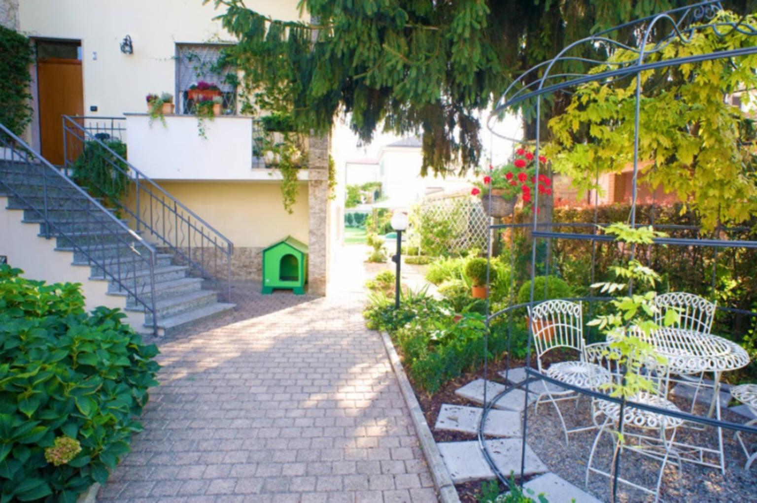 A close up of a flower garden at B&B Alla Villa.