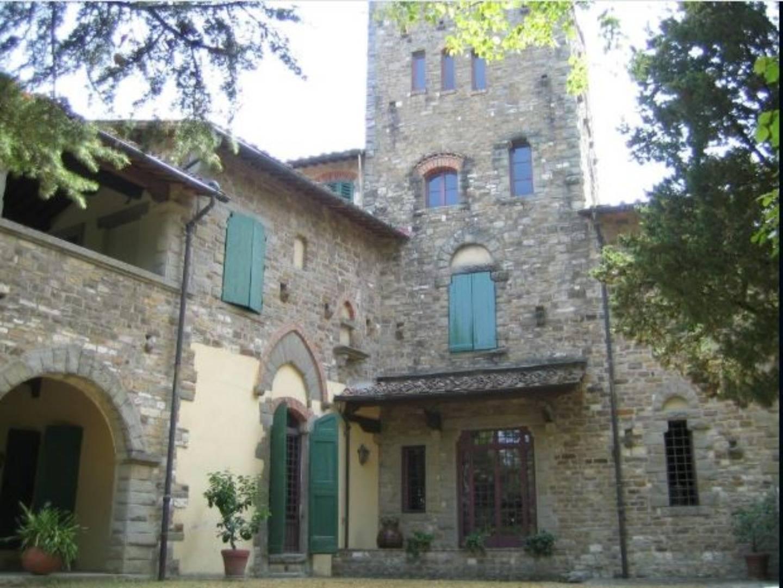A large brick building at Villa Palagio Vecchio B&B.